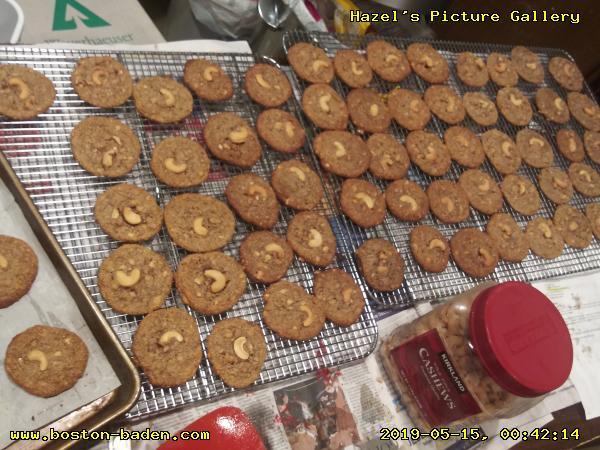 GF Salted Toffee Cashew Cookies.